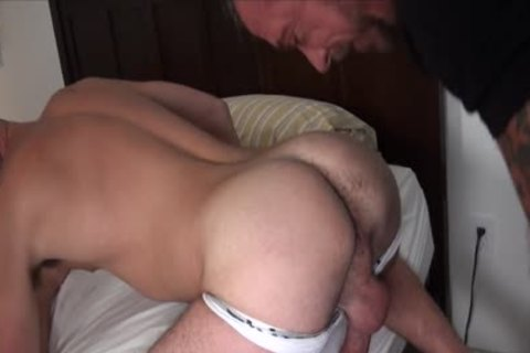 10-Pounder Hungry Athlete Takes A daddy raw cock